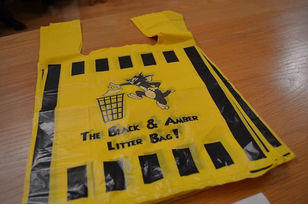 Copy of 11 jan 2012  004 litter bag