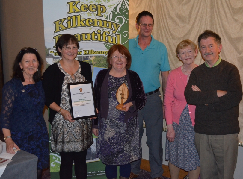 Bahai community   receive community leadership  award at Annual awards 2013