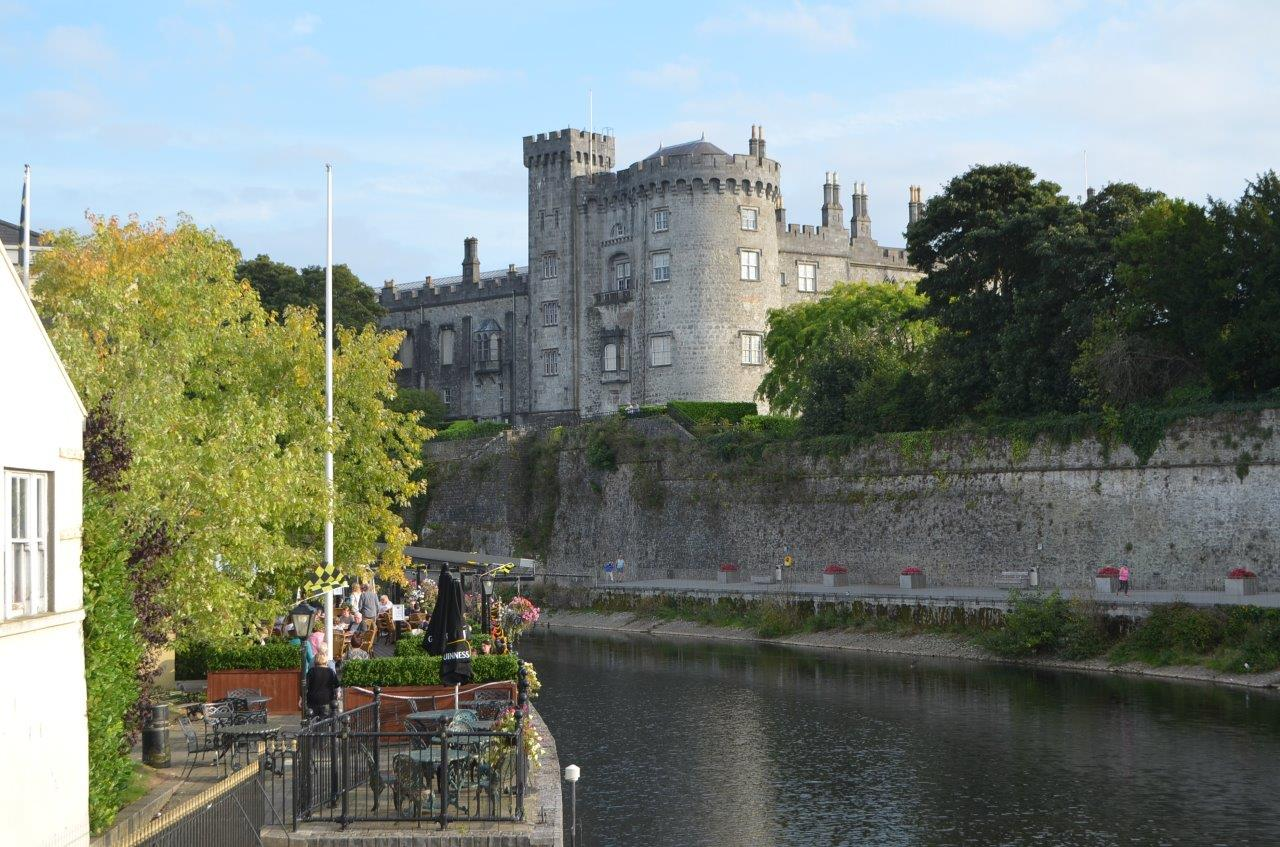 Kilkenny castle and the river Nore